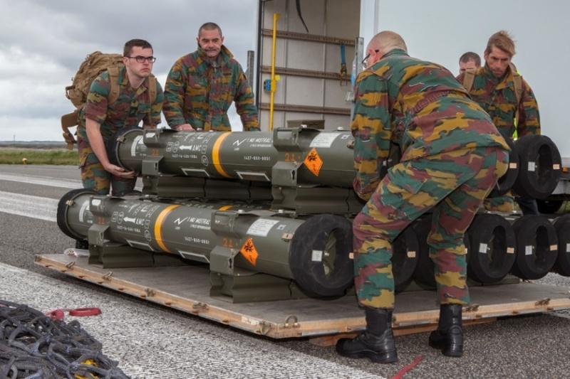 Armée Belge / Defensie van België / Belgian Army  - Page 4 6213