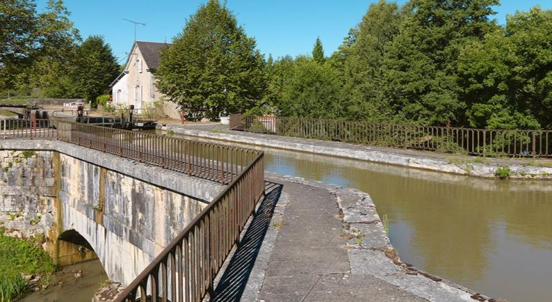 le canal du Nivernais 20135810