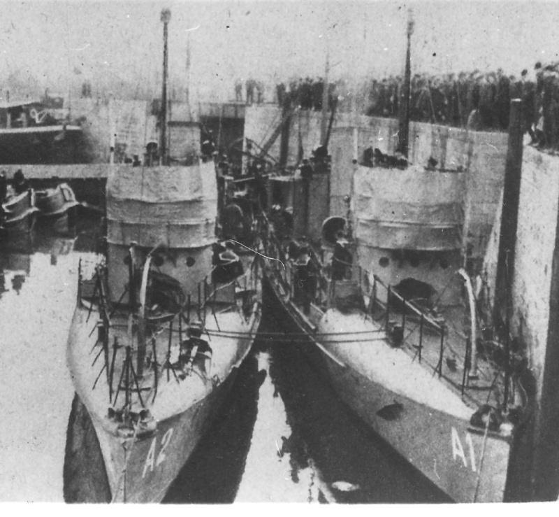 La Flottille du Rhin - Page 17 A_1_et10