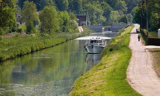 le canal du Nivernais Canal-10