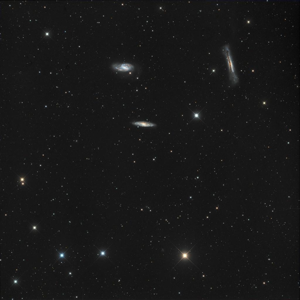 Trio galactique au CCA250 M66_we10