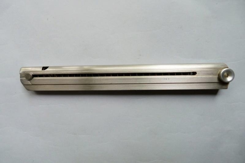 Un chargeur pour Luger...,à grande contenance de cartouches...  P1060111