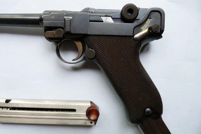 Un chargeur pour Luger...,à grande contenance de cartouches...  P1060114