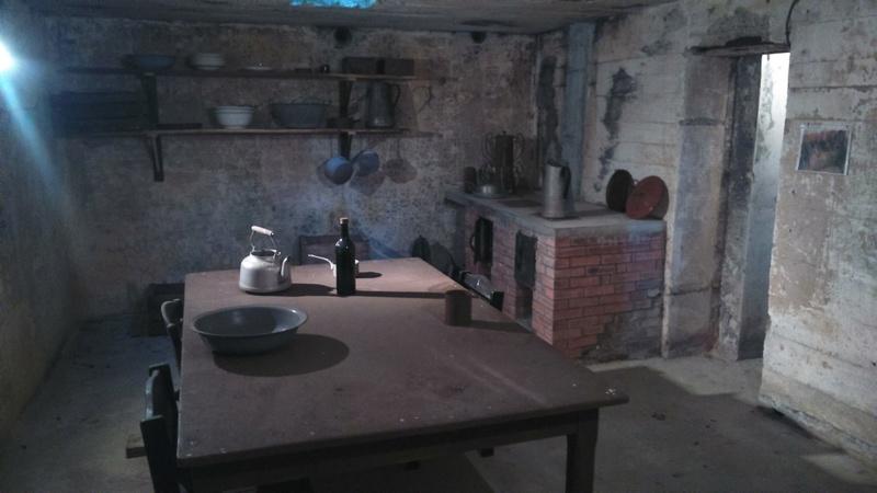 COLLEVILLE-MONTGOMERT 14880 site batterie Hillman 12916110
