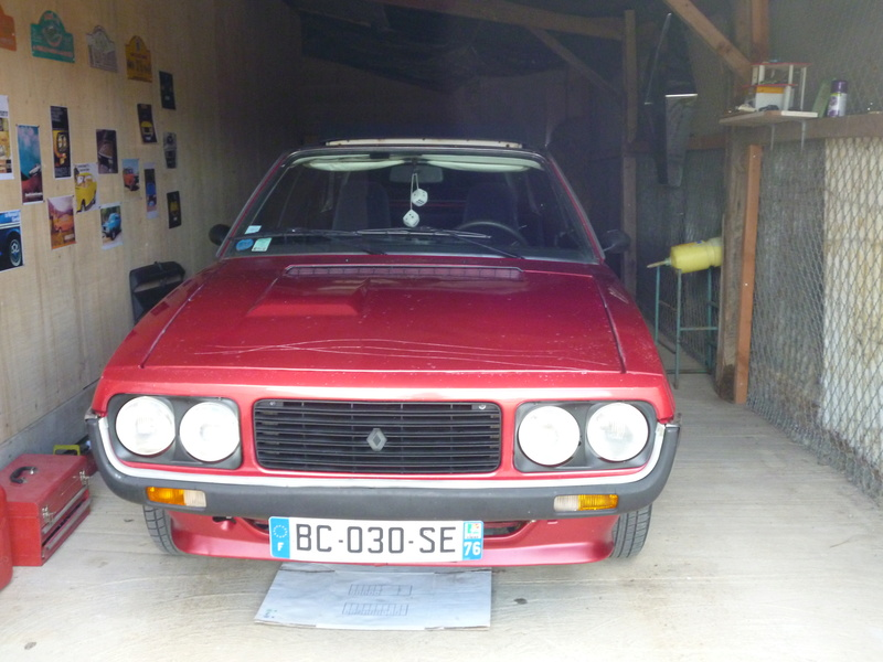 renault 17 decouvrable rouge lucifer  - Page 19 P1010124