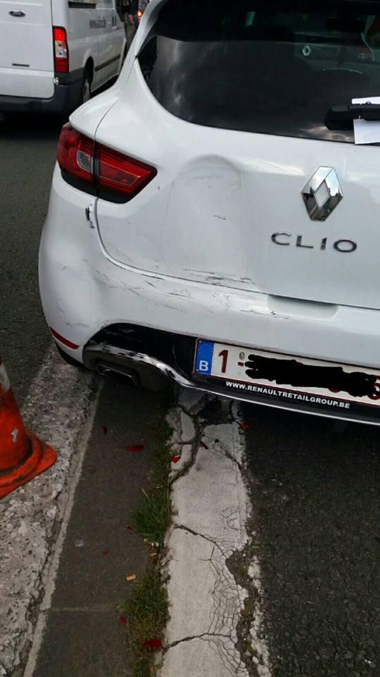l'arrivé de la belle Clio 4 rs blanc Glacier pack Cup ( accident page 1 )  13873010