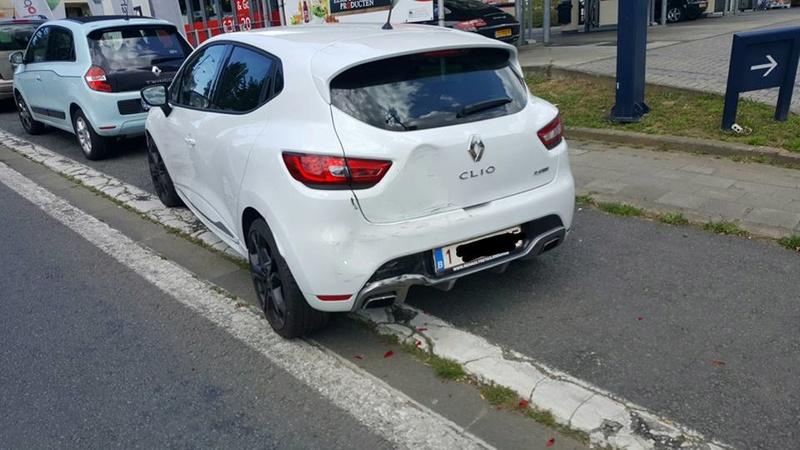 l'arrivé de la belle Clio 4 rs blanc Glacier pack Cup ( accident page 1 )  13882310