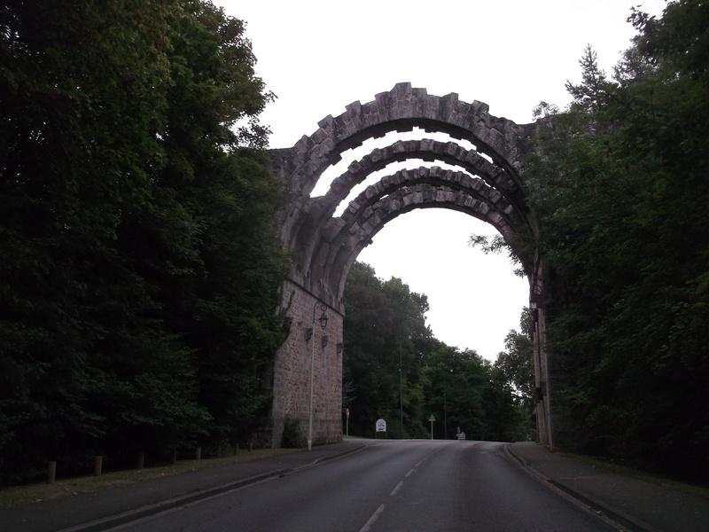 Le pont, incontournable du paysage routier - Page 3 Dscf5816