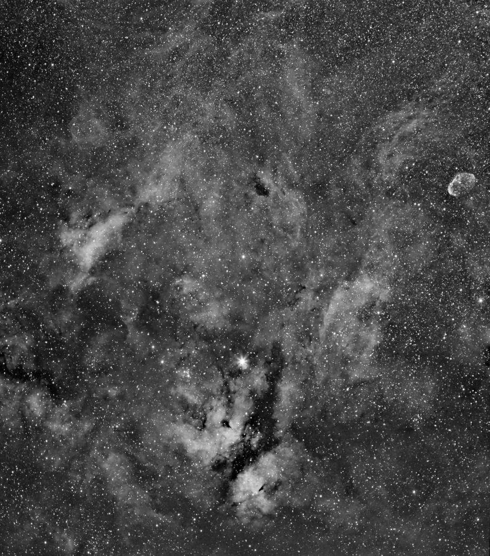 IC1318 et le croissant Ic131812