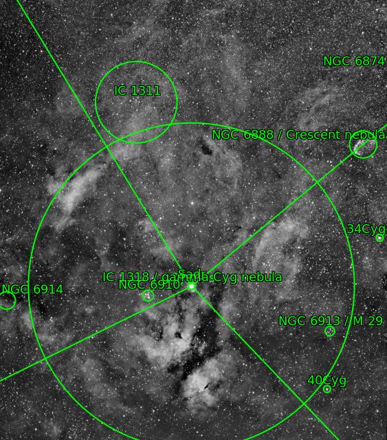 IC1318 et le croissant Ic131813