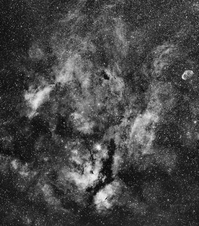 IC1318 et le croissant Ic131814