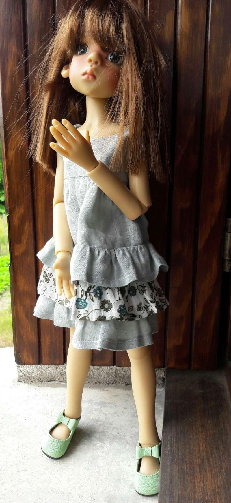 Manon (Layla) a chipé une robe d'été à ses cousines Kish 20160610