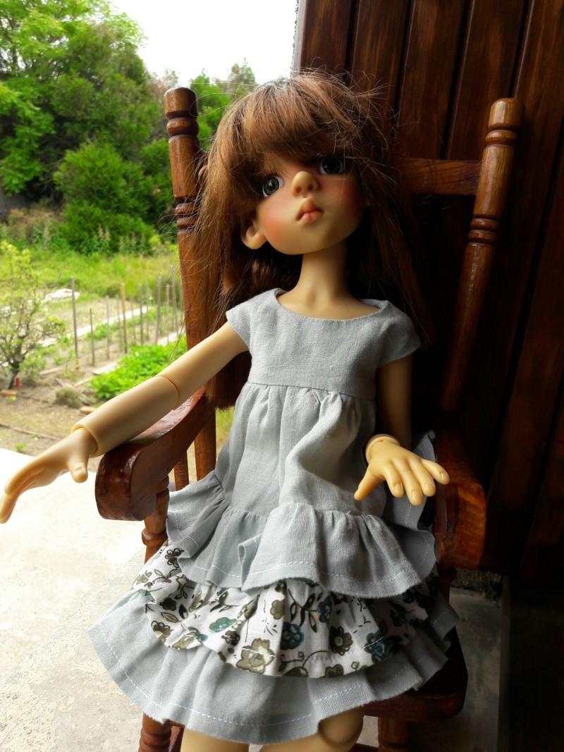 Manon (Layla) a chipé une robe d'été à ses cousines Kish 20160611