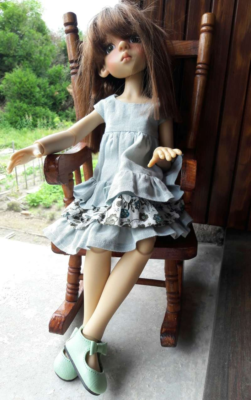 Manon (Layla) a chipé une robe d'été à ses cousines Kish 20160612