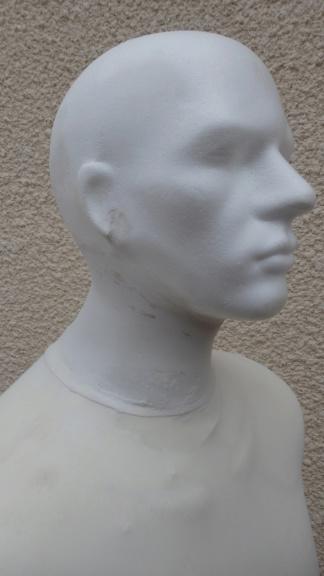 Tete en polystyrène  P5280010