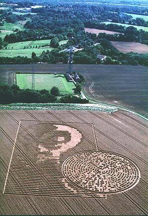 A new Crop circle au R. UNI Dosscr10