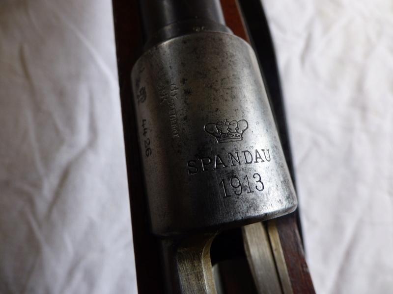 G98 : marquages de boitier P1010114