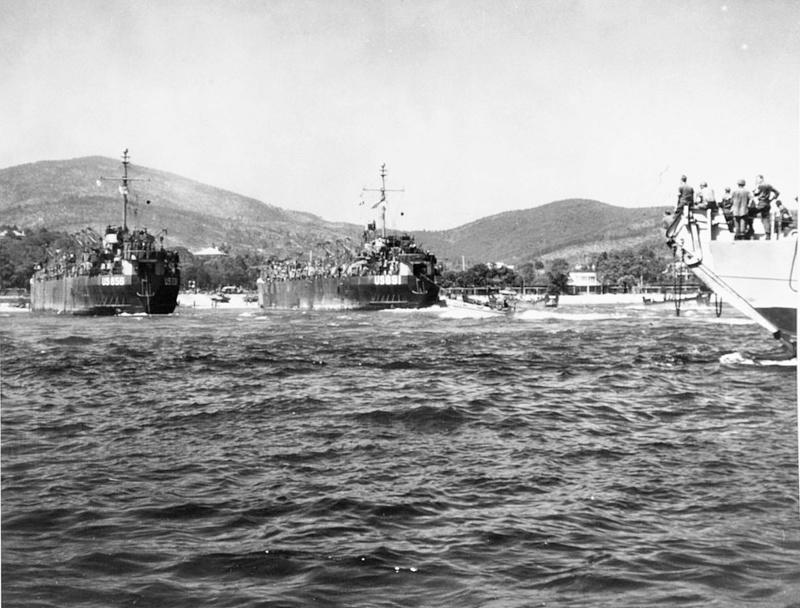 Débarquement en Provence et libération de Toulon - Page 2 Lst65610