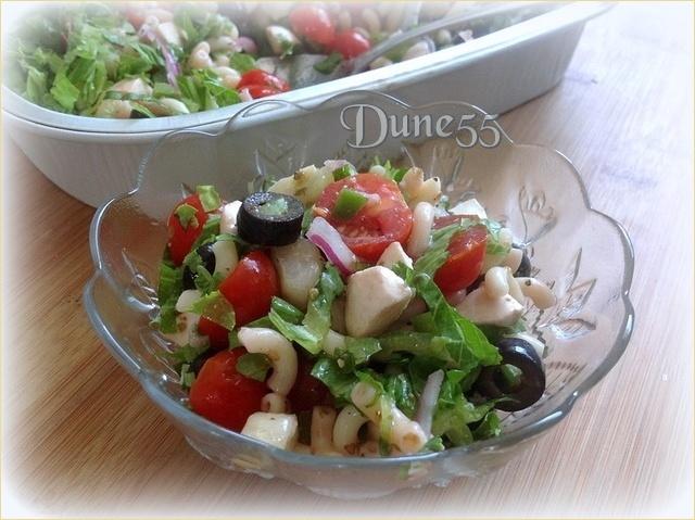 Salade de pâte grecque avec vinaigrette au vin rouge Ckimts10