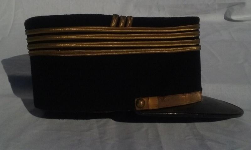 Képis Commandant 61 ème R. d'Artillerie + Képi élève Saint Cyr.- ESC 1 Vendu 20160887