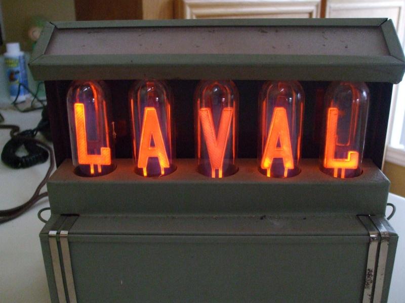 Enseigne lumineuse Laval Dscf1511
