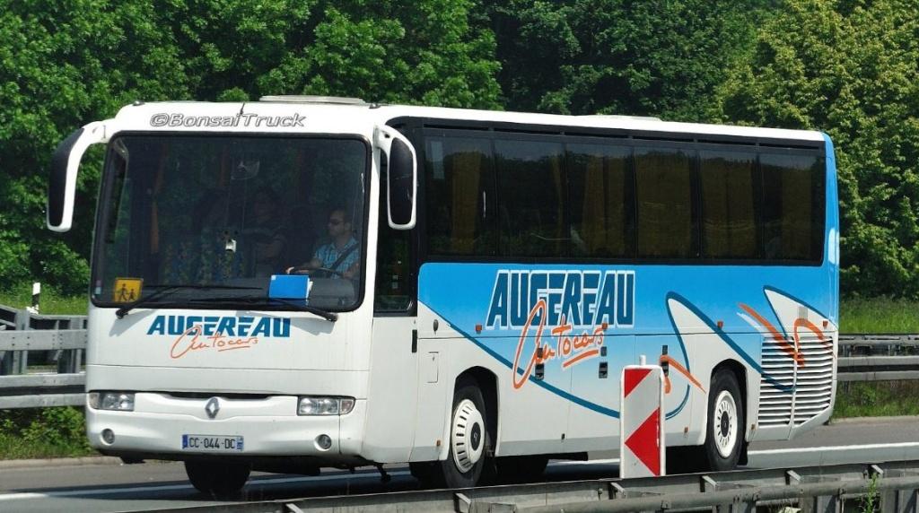 Augereau Autocars (Le Longeron 49) Renaul33