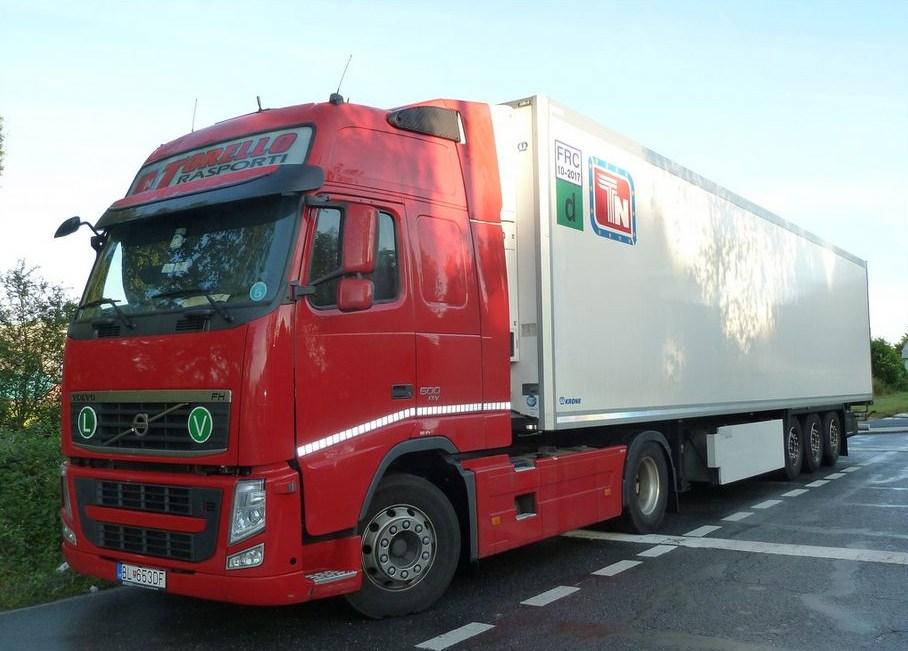 Torello Trasporti (Montoro Inferiore) - Page 2 Volvo111