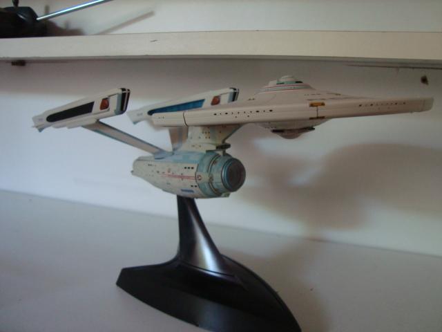 maquette au 1/850 de l'uss enterprise Bandail Dsc04814