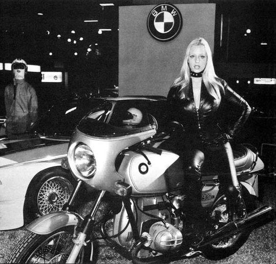 PHOTOS - BMW - Bobber, Cafe Racer et autres... - Page 4 6553d910