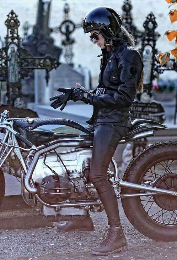 PHOTOS - BMW - Bobber, Cafe Racer et autres... - Page 4 C4110110