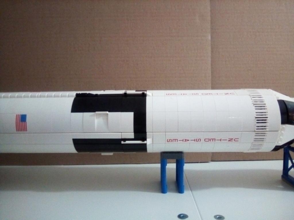 La Saturn V en LEGO! - Page 3 Img_2011