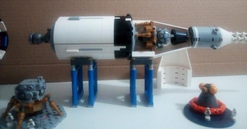 La Saturn V en LEGO! - Page 4 Saturn11
