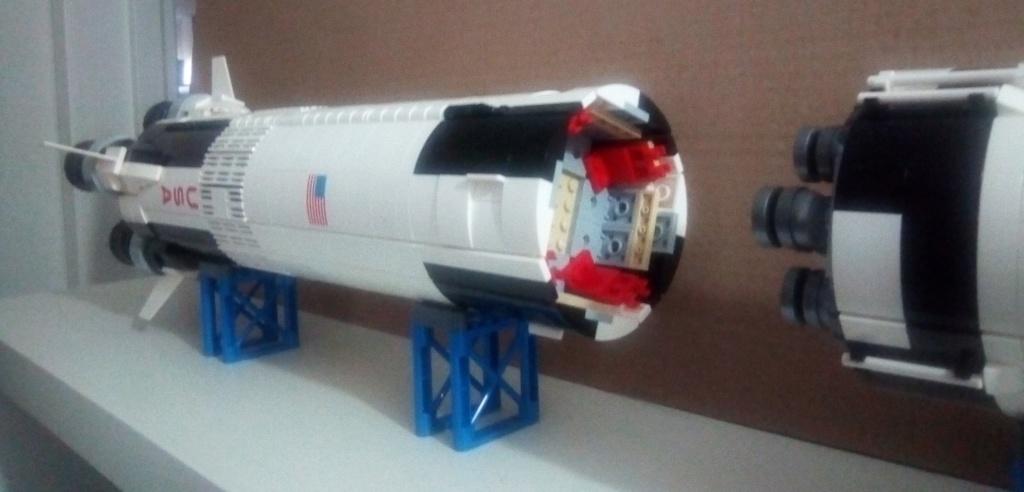 La Saturn V en LEGO! - Page 4 Saturn13