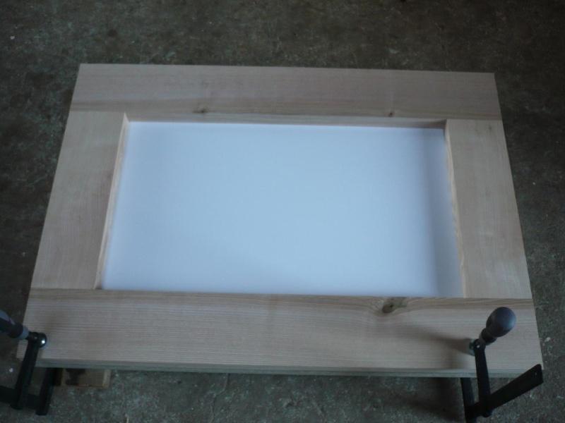 réalisation d'un meuble support pour scie à onglet P1030912