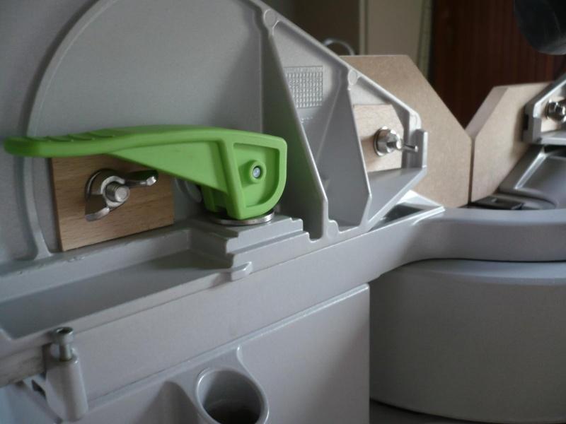 réalisation d'un meuble support pour scie à onglet P1030917