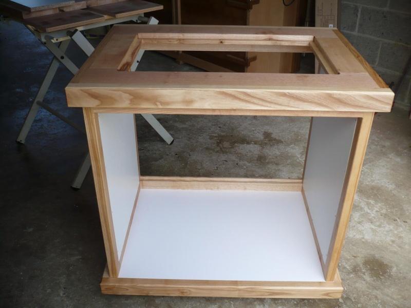 réalisation d'un meuble support pour scie à onglet - Page 3 P1040029