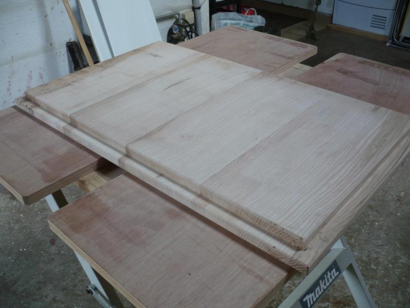 réalisation d'un meuble support pour scie à onglet - Page 3 P1040044