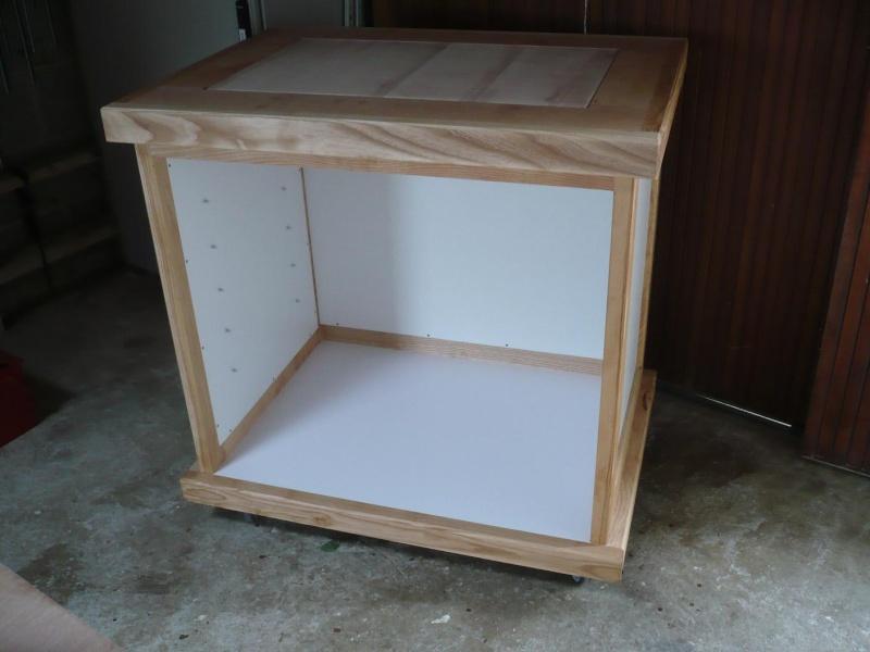 réalisation d'un meuble support pour scie à onglet - Page 3 P1040047