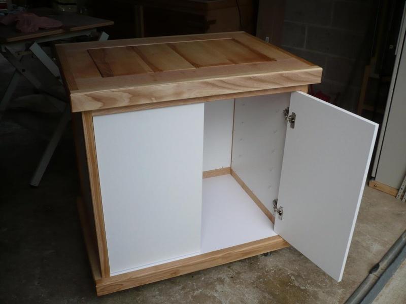 réalisation d'un meuble support pour scie à onglet - Page 3 P1040048
