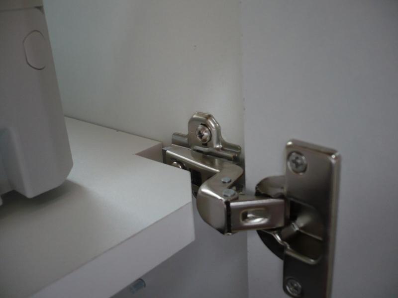 réalisation d'un meuble support pour scie à onglet - Page 3 P1040054