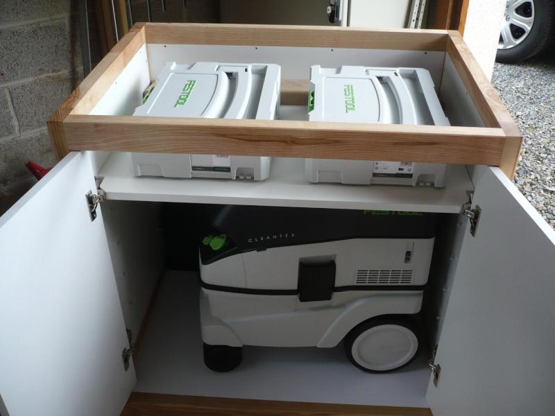 réalisation d'un meuble support pour scie à onglet - Page 3 P1040055