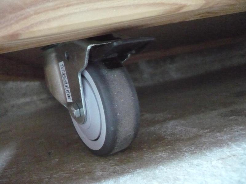 réalisation d'un meuble support pour scie à onglet - Page 4 P1040059