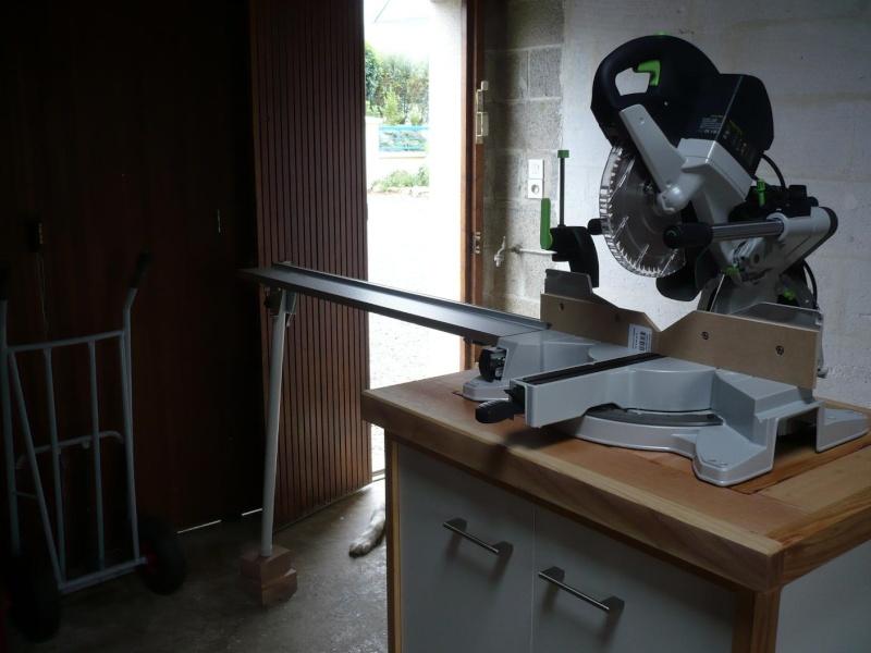 réalisation d'un meuble support pour scie à onglet - Page 4 P1040062