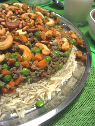 Уузи - плов с курицей, горошком, морковью и мясным фаршем. Арабская кухня Img_6810