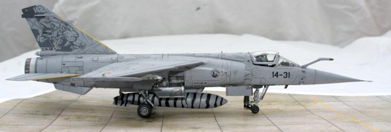 Mirage F1M (Spécial Hobby + Décal BERNA, 1/72) Img_7326