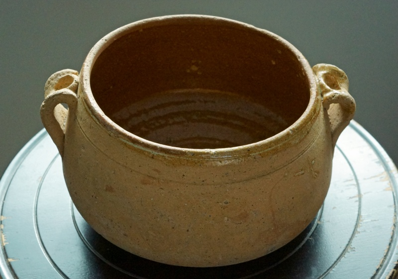 French, Vallauris style cooking pot  04a12