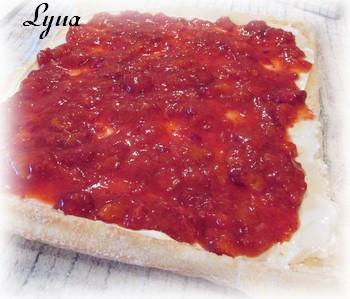Gâteau des anges roulé, garniture aux fraises Gyteau13
