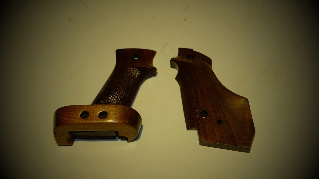 Used Randall Fung RH Large Grips for 1911 - Sold Dscf5710