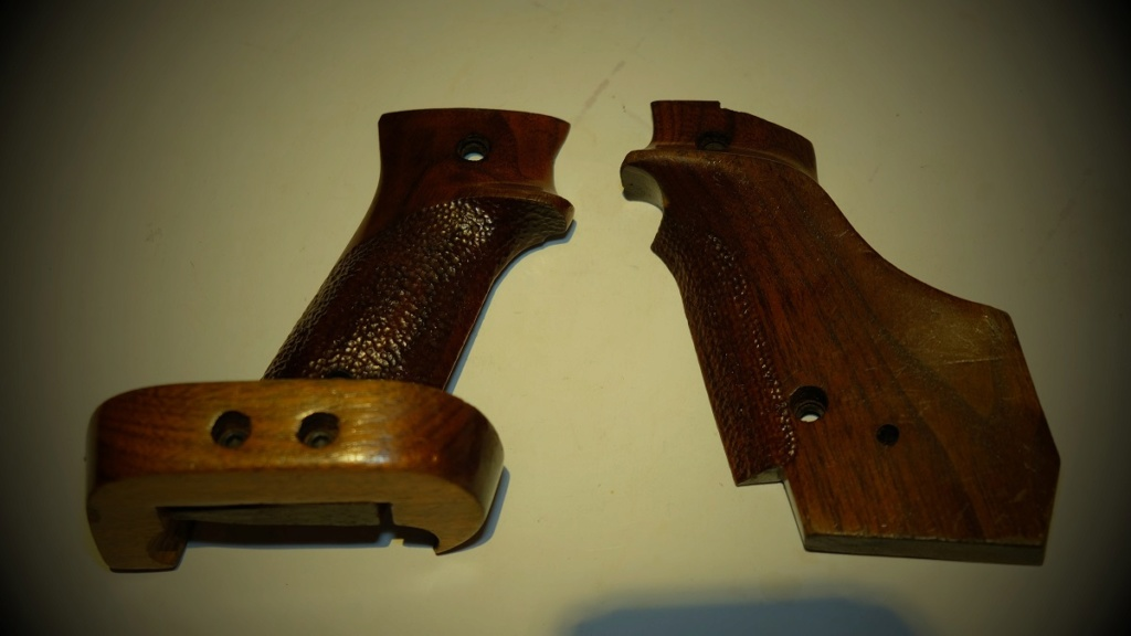 Used Randall Fung RH Large Grips for 1911 - Sold Dscf5810