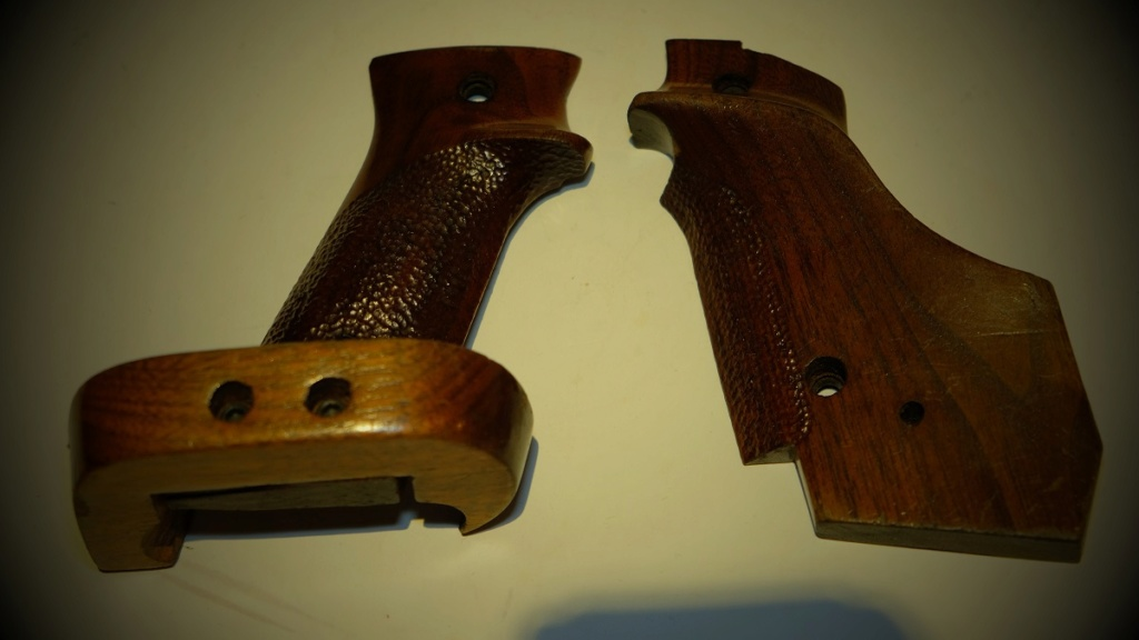 Used Randall Fung RH Large Grips for 1911 - Sold Dscf5813